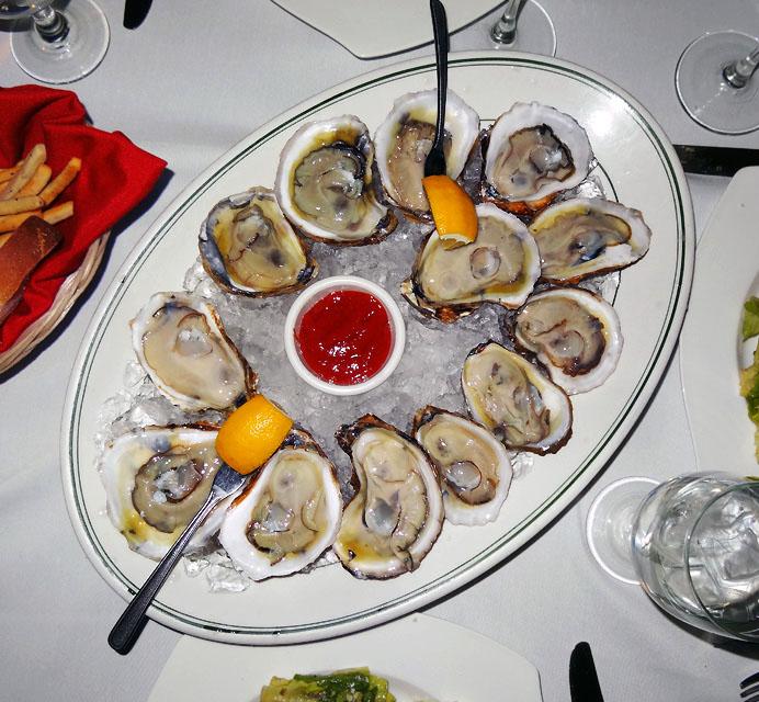 Baker's dozen of oysters